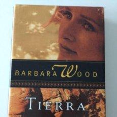 Libros antiguos: BARBARA WOOD - TIERRA SAGRADA- CÍRCULO DE LECTORES #57. Lote 171097585