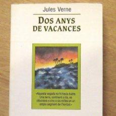 Libros antiguos: JULES VERNE. DOS ANYS DE VACANCES. L'ESPARVER. EN CATALÁN. 1985. 336 PÁGINAS. BUEN ESTADO. . Lote 172413538