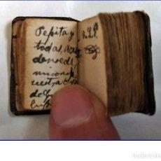 Libri antichi: LIBRO ESPAÑOL EN MINIATURA. 3 CM. MANUSCRITO. SIGLO XIX?. Lote 195110496