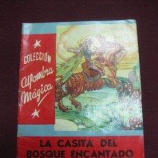 Libros antiguos: LA CASITA DEL BOSQUE ENCANTADO. HNOS. GRIMM.. COL. ALFOMBRA MAGICA. Nº 13. EDITORIAL MOLINO 1955. Lote 90415919
