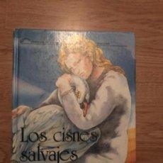 Libros antiguos: LOS CISNES SALVAJES EVEREST. Lote 113028955