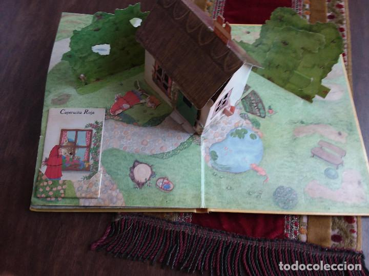 Libros antiguos: MI FANTASTICO LIBRO DE CUENTOS TRIDIMENSIONAL 1992+ Atlas visual de transparencias. Ed.Susaeta - Foto 3 - 117747799