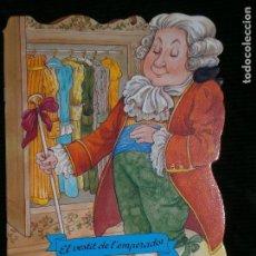 Libros antiguos: F1 CUENTO TROQUELADO EL VESTIT DE L'EMERADOR EDITORIAL COMBEL Nº 28 AÑO 2009 EN CATALAN. Lote 125279255