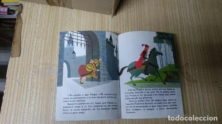 Libros antiguos: LIBRO LA BELLA DURMIENTE - WALT DISNEY- PEQUEÑO LIBRO DORADO - Foto 3 - 35166371