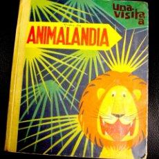 Libros antiguos: CUENTO POP UP UNA VISITA A ANIMALANDIA. BANCROFT & CO. LONDON. AÑO 1965. Lote 130490868