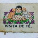 Libros antiguos: VISITA DEL TÉ. UWA, ANTIGUO CUENTO INFANTIL DE PRINCIPIOS S.XX. HECHO EN ROPA O TELA.. Lote 145339366