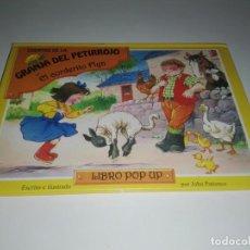 Libros antiguos: CUENTO LA GRANJA DEL PETIRROJO EL CORDERITO FLYN POP - UP FAVORITOS ILUSTRADO POR JOHN PATIENCE. Lote 146277402
