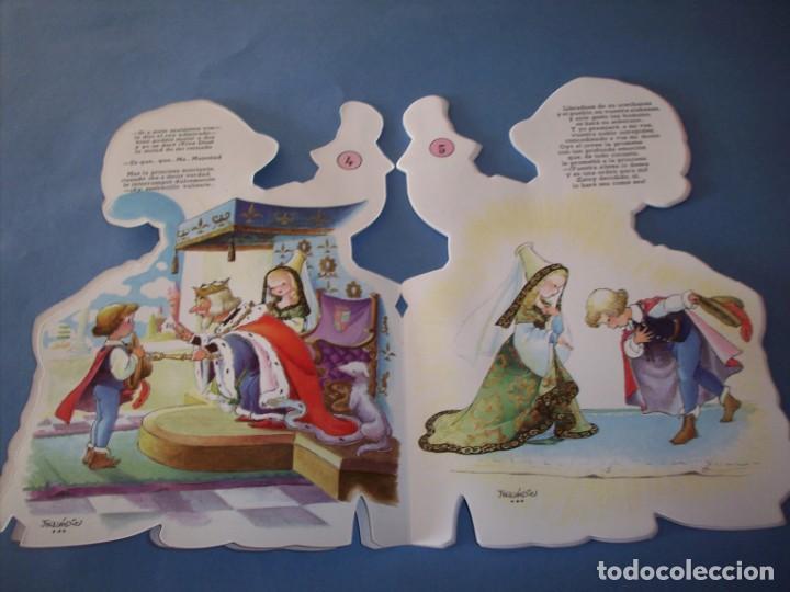 Libros antiguos: troquelado ferrandiz, el sastrecillo valiente, con juguete - Foto 2 - 150375398