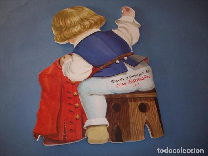 Libros antiguos: troquelado ferrandiz, el sastrecillo valiente, con juguete - Foto 3 - 150375398