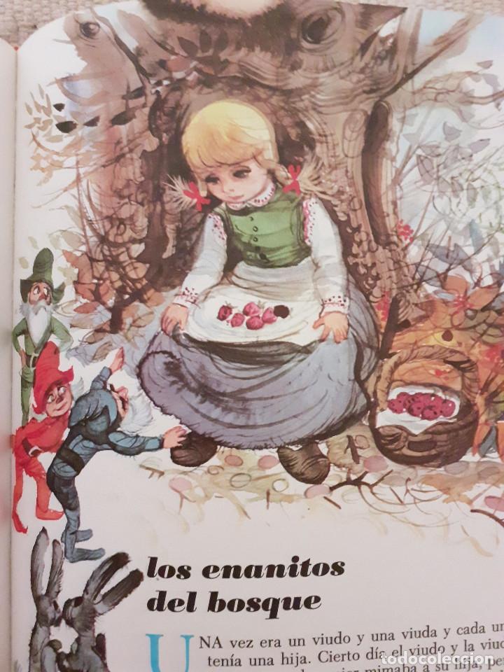 Libros antiguos: Tu gran libro de cuentos I, II, III, IV - Susaeta, 1984 - Foto 5 - 174994245