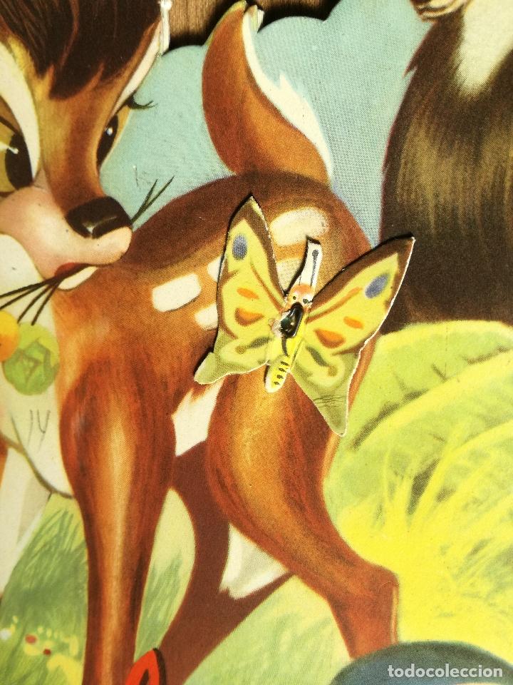 Libros antiguos: CUENTO TROQUELADO BAMBI DE WALT DISNEY AÑO 1963 LLEVA LA DIFICIL MARIPOSA - Foto 2 - 176266904
