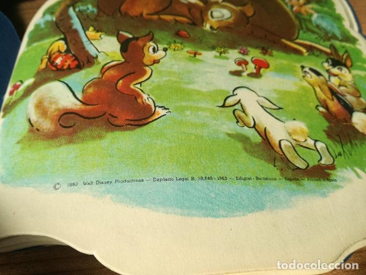 Libros antiguos: CUENTO TROQUELADO BAMBI DE WALT DISNEY AÑO 1963 LLEVA LA DIFICIL MARIPOSA - Foto 4 - 176266904