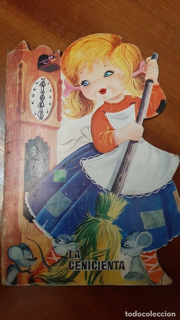 LA CENICIENTA CUENTO TROQUELADO 1965 (Libros Antiguos, Raros y Curiosos - Literatura Infantil y Juvenil - Cuentos)
