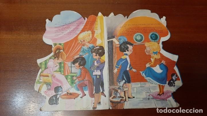 Libros antiguos: La Cenicienta Cuento troquelado 1965 - Foto 2 - 178389381