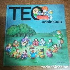 Libros antiguos: TEO UDALEKUAN VIOLETA DENOU TIMUN MAS - ELKAR 1993 LIBRO (EN EUSKERA - EUSKARAZ) TAPAS DURAS. Lote 186212397