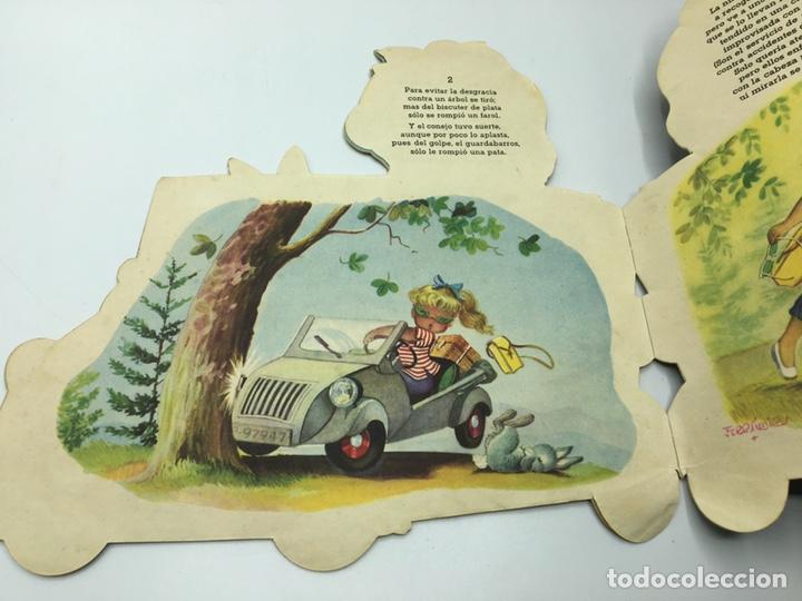 Libros antiguos: Mari Pili en Biscuter , texto y dibujos Ferrándiz , Editorial Vilcar 1º edición - Foto 7 - 195296980