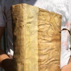 Libros antiguos: 1635 - PRAXIS EXIGENDI + VOTA DECISIVA - DOS LIBROS EN UN VOLUMEN - DERECHO - PERGAMINO. Lote 138761874