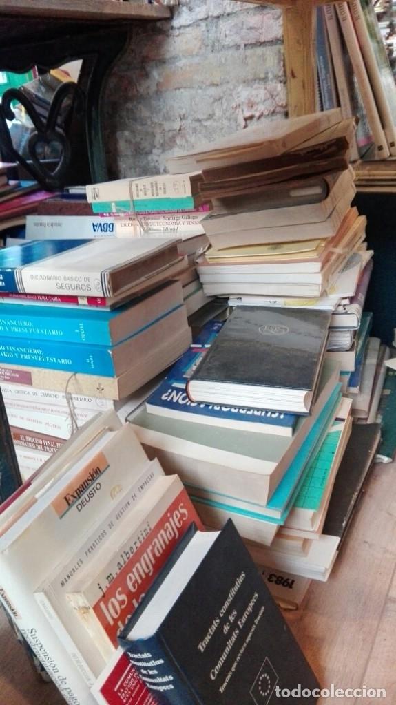 GRAN LOTE DE MAS DE 300 LIBROS DE ECONOMIA, DERECHO,FINANZAS... (Libros Antiguos, Raros y Curiosos - Ciencias, Manuales y Oficios - Derecho, Economía y Comercio)