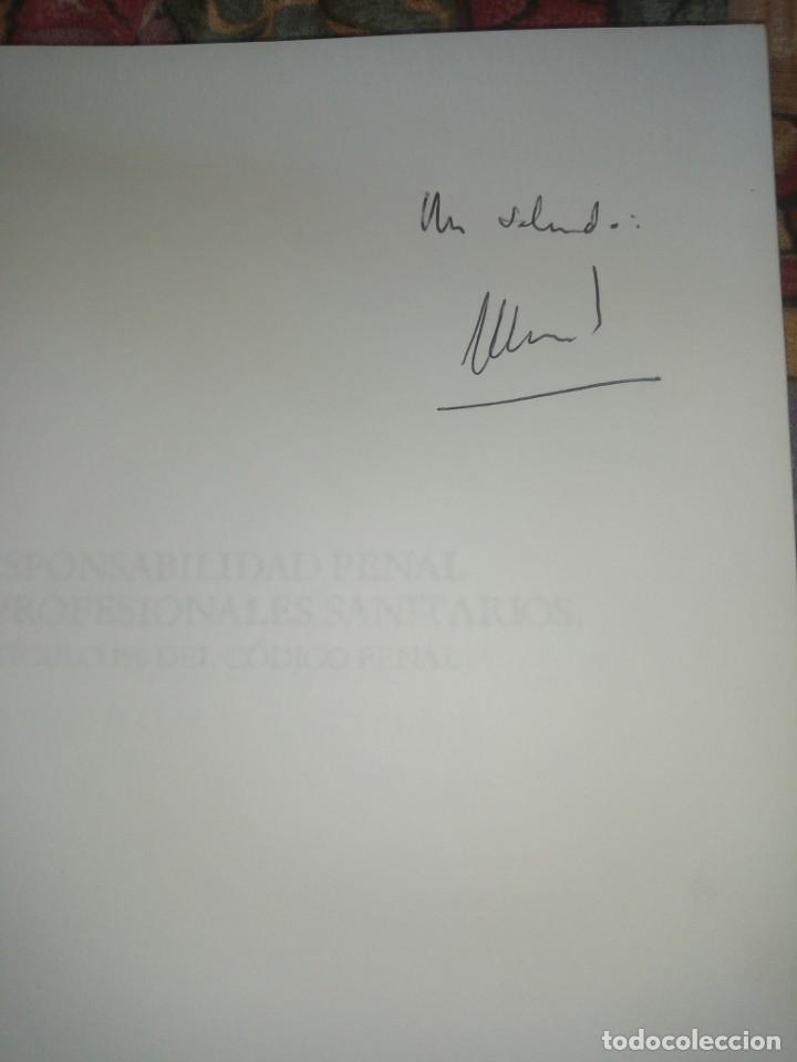 Libros antiguos: Responsabilidad penal de los profesionales sanitarios - Manuel Gómez Tomillo - con firma del autor - Foto 3 - 194195303