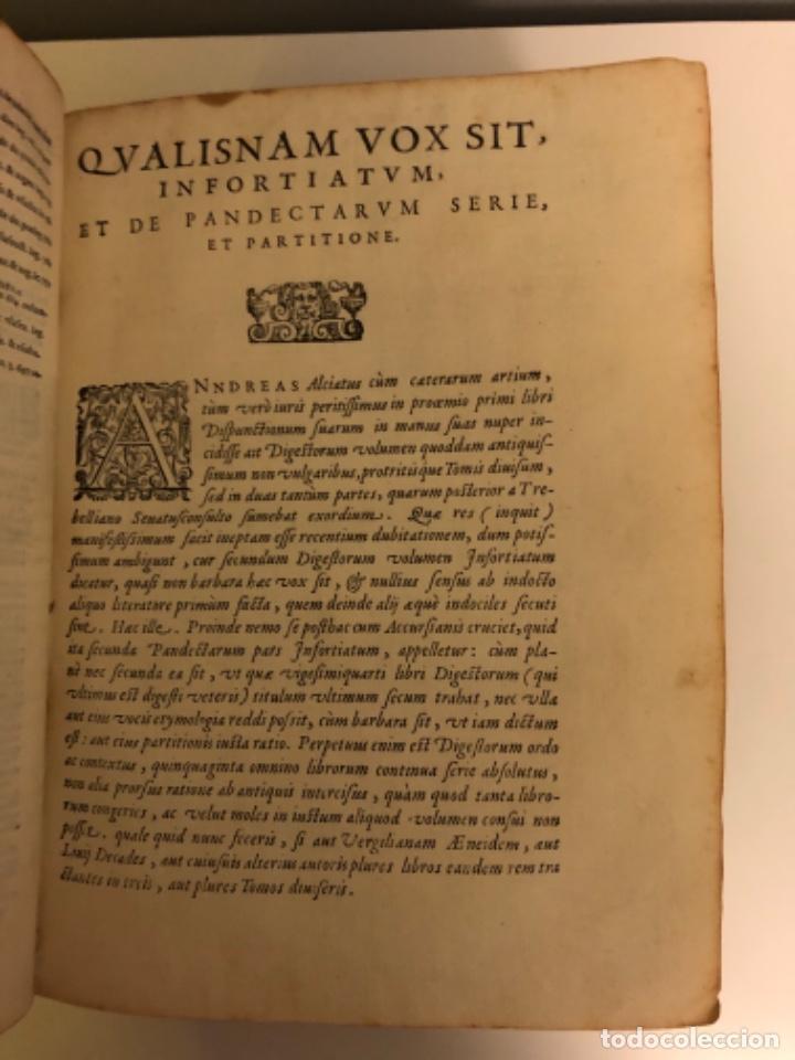 Libros antiguos: AÑO 1581 - DIGESTO DE JUSTINIANO A DOS TINTAS - PANDECTARUM SEU DIGESTUM IURIS CIVILIS - GRAN TAMAÑO - Foto 6 - 218751242