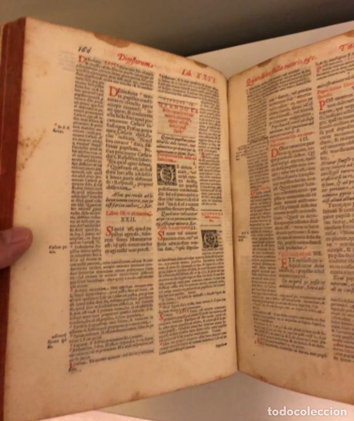 Libros antiguos: AÑO 1581 - DIGESTO DE JUSTINIANO A DOS TINTAS - PANDECTARUM SEU DIGESTUM IURIS CIVILIS - GRAN TAMAÑO - Foto 9 - 218751242