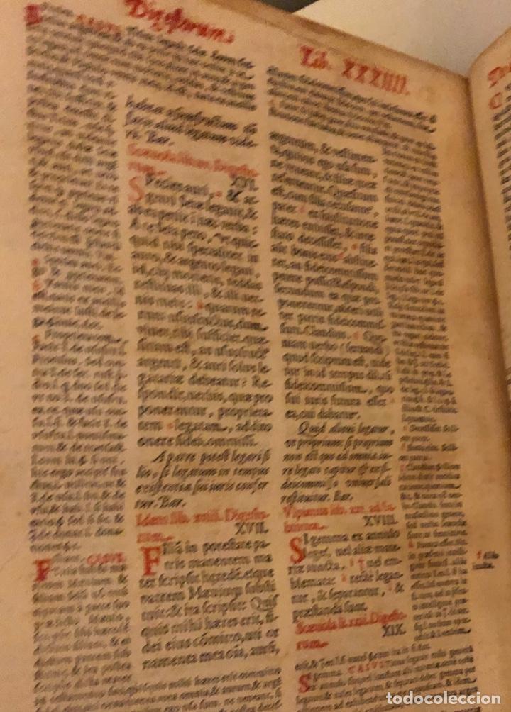 Libros antiguos: AÑO 1581 - DIGESTO DE JUSTINIANO A DOS TINTAS - PANDECTARUM SEU DIGESTUM IURIS CIVILIS - GRAN TAMAÑO - Foto 16 - 218751242
