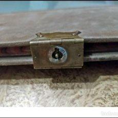 Livros antigos: PRECIOSO LIBRO MANUSCRITO DEL SIGLO XIX CON CIERRE METÁLICO. 35 CM.. Lote 241418190