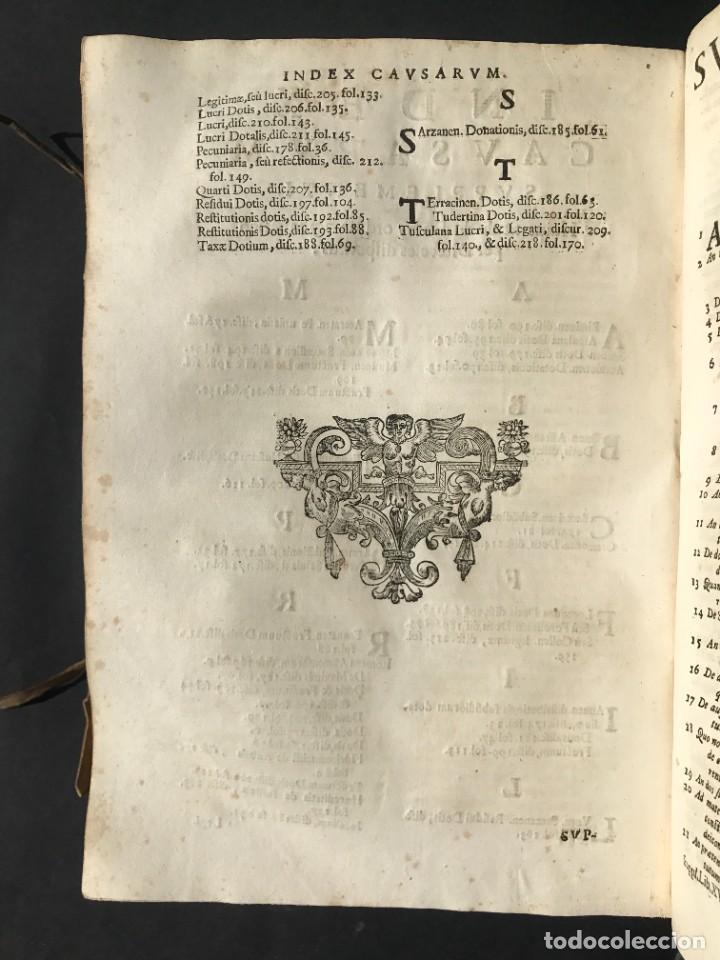 Libros antiguos: 1670 - THEATRUM VERITATIS - DE DOTE, LUCRIS, DOTALIBUS - DERECHO - PERGAMINO - FOLIO - Foto 39 - 259747545