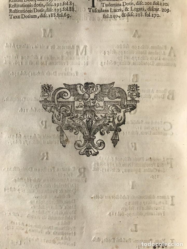 Libros antiguos: 1670 - THEATRUM VERITATIS - DE DOTE, LUCRIS, DOTALIBUS - DERECHO - PERGAMINO - FOLIO - Foto 40 - 259747545