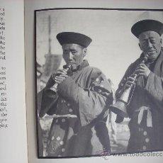 Libros antiguos: CHINA - PEOPLE IN CHINA - 1935 - FOTOGRAFIAS DE ELLEN THORBECKE - 1ª EDICIÓN. Lote 33038243