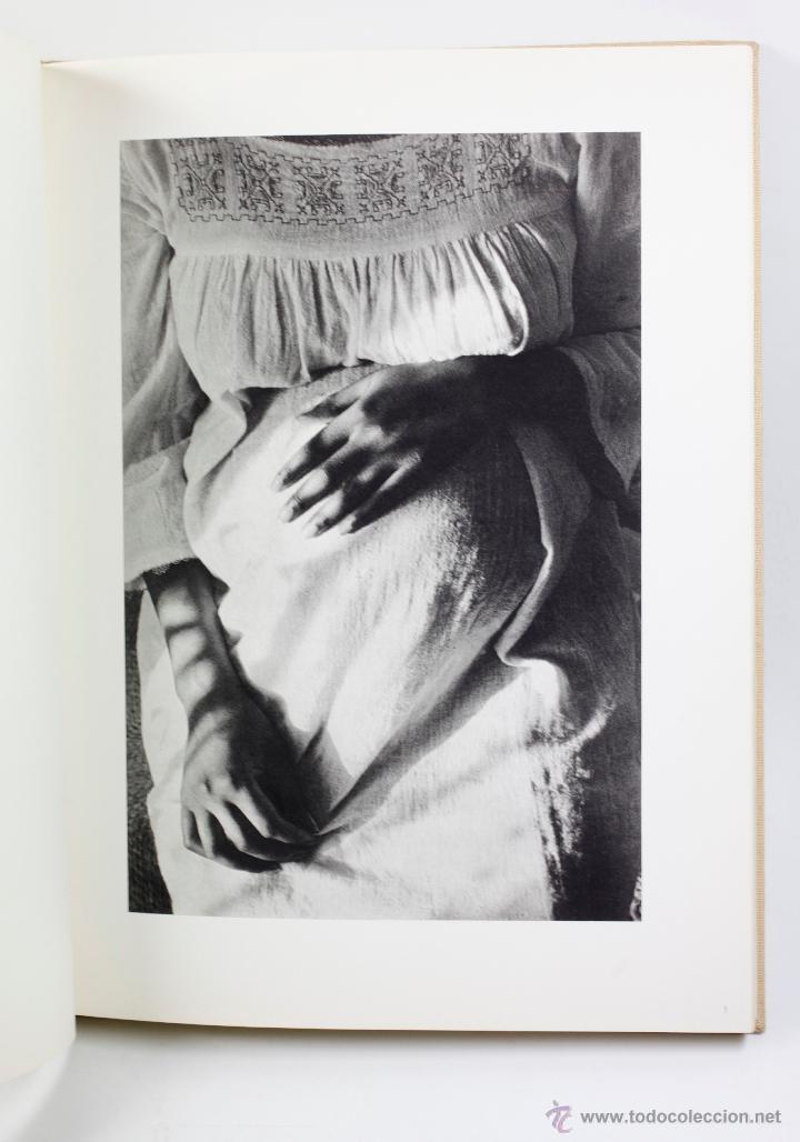 Libros antiguos: LA survivance, fotografías de edouard Boubat, mercure de france, 1976. 28x27 cm. - Foto 5 - 49112467
