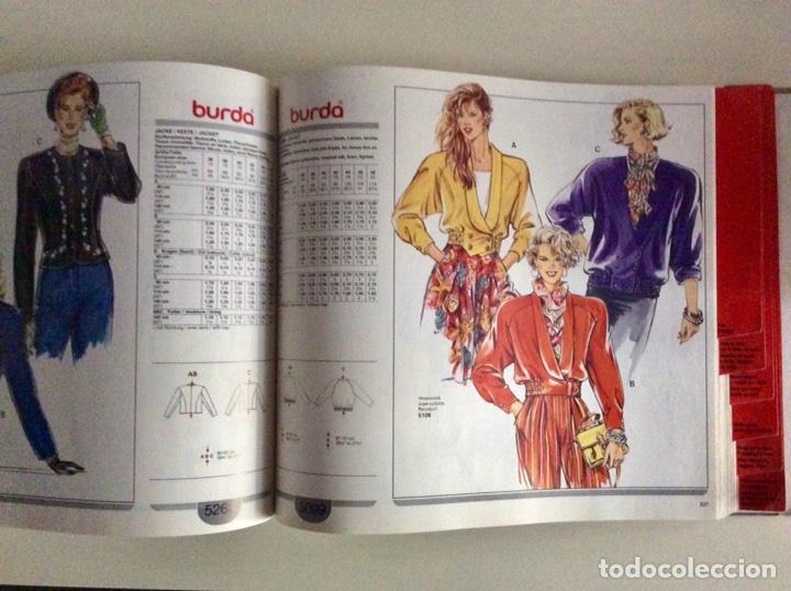 Libros antiguos: Anuario BURDA CARTAMODELLI MODA PATRÓN 1990 con más de 880pg y todas las medidas y patrones - Foto 10 - 106619899
