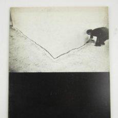 Libros antiguos: CATÁLOGO FOTOGRAFIES CATALANES DELS ANYS CINQUANTA, MUSEU PUIG, 1985, POSTGUERRA. 29X21CM. Lote 149038414