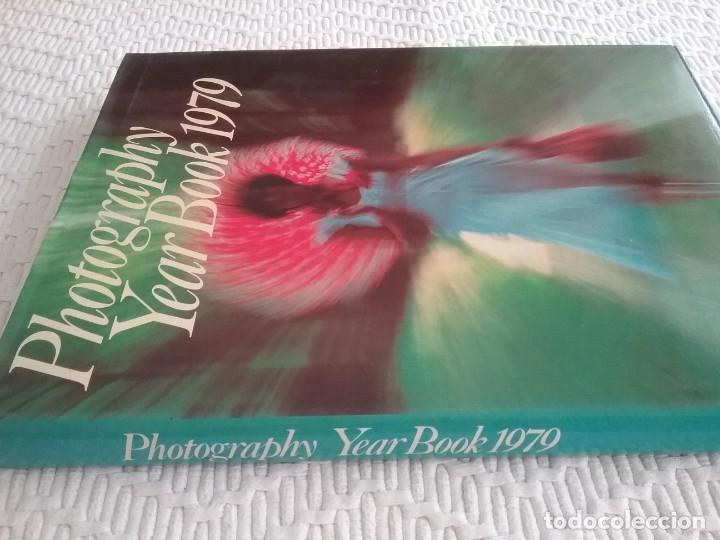 Libros antiguos: Fotography year book 1979. CONSULTE DESCUENTO EN LA COMPRA DE LOTES AGRUPABLES - Foto 2 - 174578742