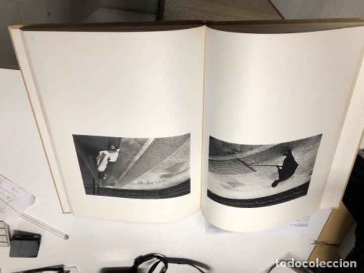 Libros antiguos: LA survivance, fotografías de edouard Boubat, mercure de france, 1976. 28x27 cm. - Foto 13 - 49112467