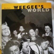 Livres anciens: WEEGEE'S WORLD INCREIBLE LIBRO DEL FOTÓGRAFO WEEGEE. Lote 217438285