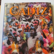 Libros antiguos: LIBRO DE FOTOGRAFIAS SOBRE CADIZ (1992). Lote 132726774
