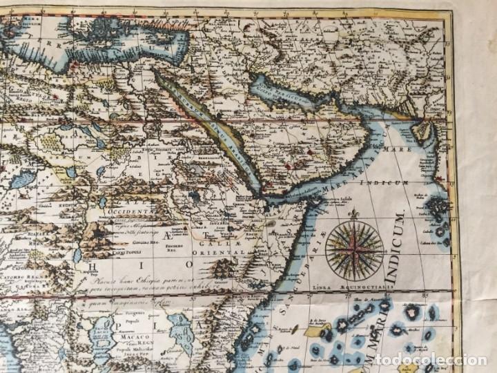 Libros antiguos: MAPA CALCOGRÁFICO ÁFRICA Siglo XVIII Iluminado A Mano. Pierre Vander Aa - Foto 5 - 176013972