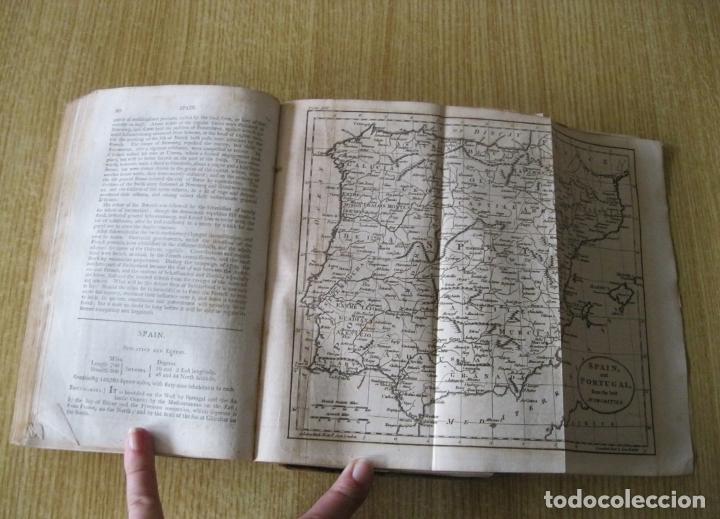 Libros antiguos: Gramática geográfica de Guthrie, 1800. W. Guthrie. Con mapas - Foto 17 - 181359748