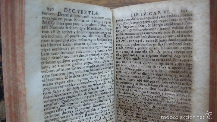 Libros antiguos: HISTORIARUM AB URBE CONDITA. LIBRI XLV. TOMOS I-II-III. T. LIVII PATAVINI. 1722. - Foto 7 - 57435595