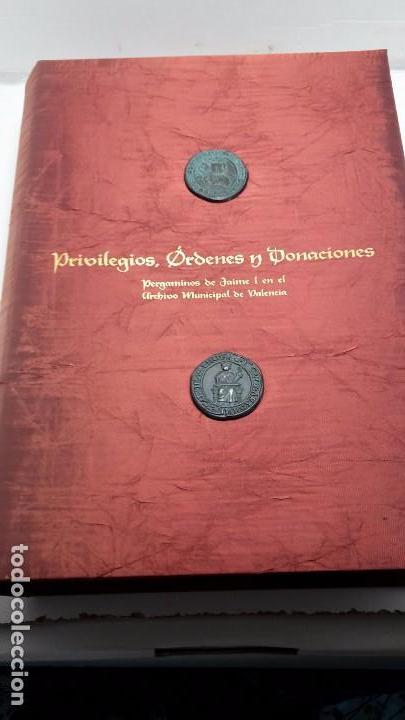 Libros antiguos: PRIVILEGIOS, ÓRDENES Y DONACIONES. PERGAMINOS DE JAIME I EN EL ARCHIVO MUNICIPAL DE VALENCIA - Foto 2 - 103545483