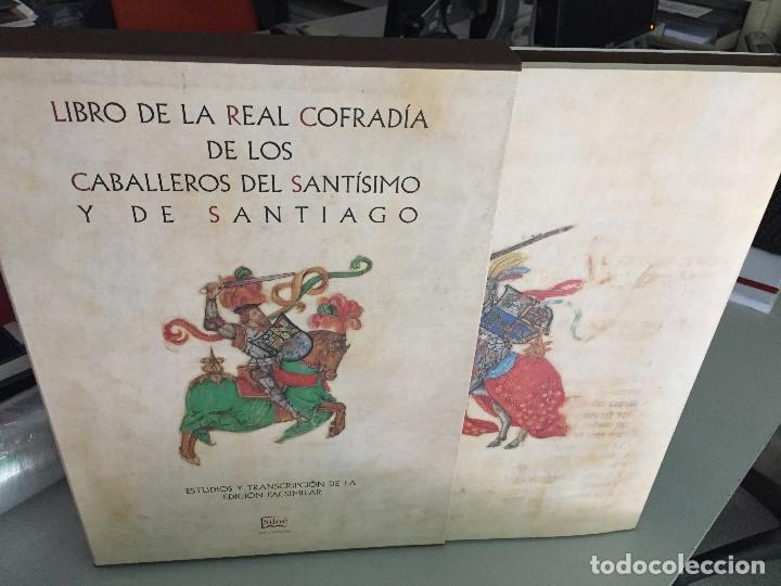 Libros antiguos: LIBRO DE LA REAL COFRADÍA DE LOS CABALLEROS DEL SANTÍSIMO Y DE SANTIAGO - Foto 2 - 127142007
