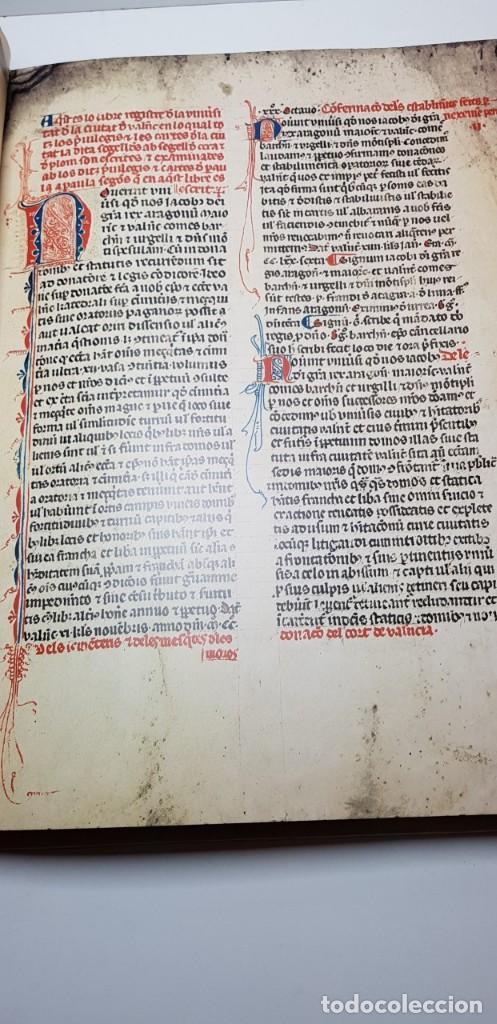 Libros antiguos: El llibre dels privilegis de Valencia,(facsimil) - Foto 3 - 148041154