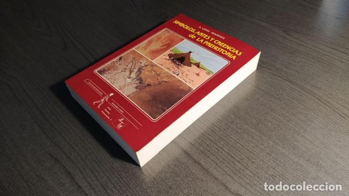 Libros antiguos: Símbolos, artes y creencias de la Prehistoria. A. Leroi Gourhan. Ediciones Istmo. - Foto 2 - 194881463