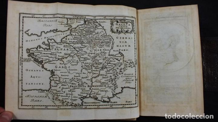 Libros antiguos: C. Julii Cæsaris quæ extant omnia.., 1713. Julio César. Frontispicio, grabados y mapas - Foto 7 - 201839792