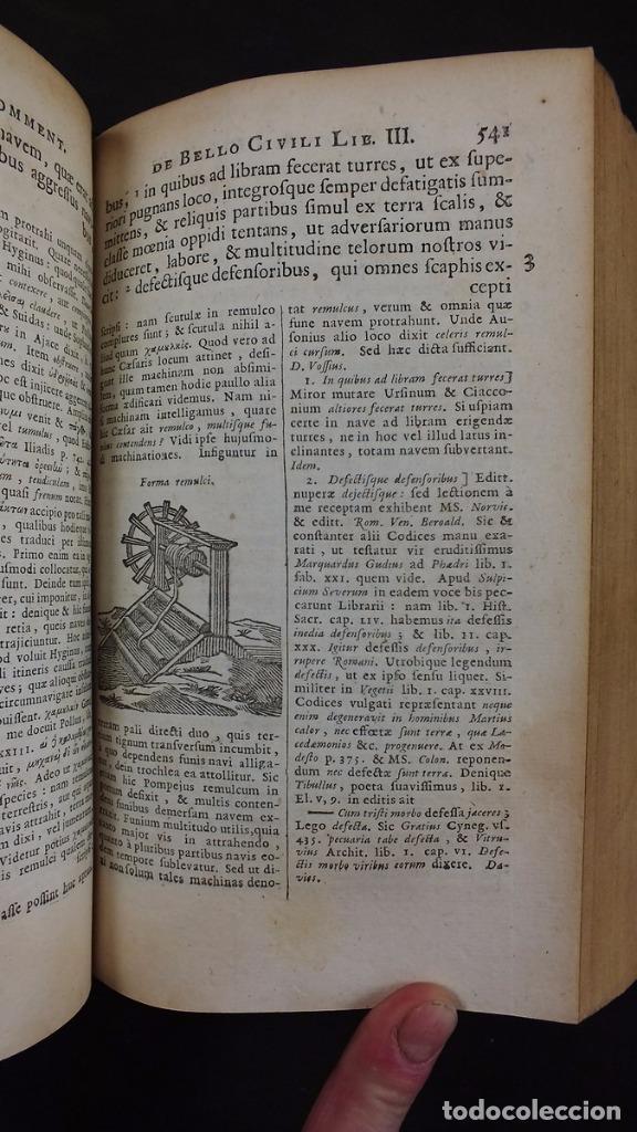 Libros antiguos: C. Julii Cæsaris quæ extant omnia.., 1713. Julio César. Frontispicio, grabados y mapas - Foto 23 - 201839792
