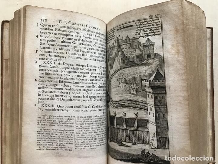 Libros antiguos: C. Julii Cæsaris quæ extant omnia.., 1713. Julio César. Frontispicio, grabados y mapas - Foto 40 - 201839792