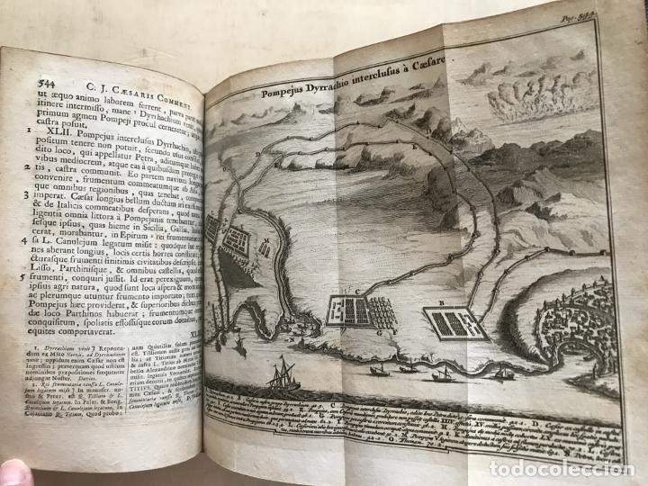 Libros antiguos: C. Julii Cæsaris quæ extant omnia.., 1713. Julio César. Frontispicio, grabados y mapas - Foto 43 - 201839792