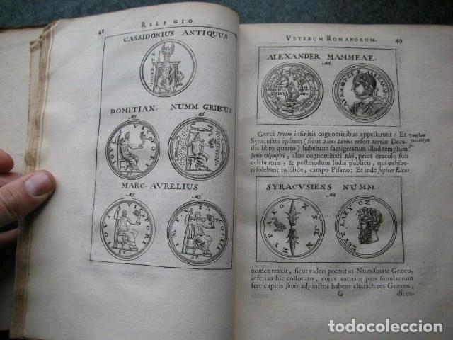 Libros antiguos: VETERUM ROMANORUM RELIGIÓN CASTRAMETATIO...., 1685. Guilielmo du Choul. Grabados - Foto 8 - 230415295