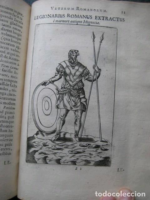 Libros antiguos: VETERUM ROMANORUM RELIGIÓN CASTRAMETATIO...., 1685. Guilielmo du Choul. Grabados - Foto 15 - 230415295
